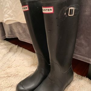 Hunter Tall Rain Boot In Matte Black